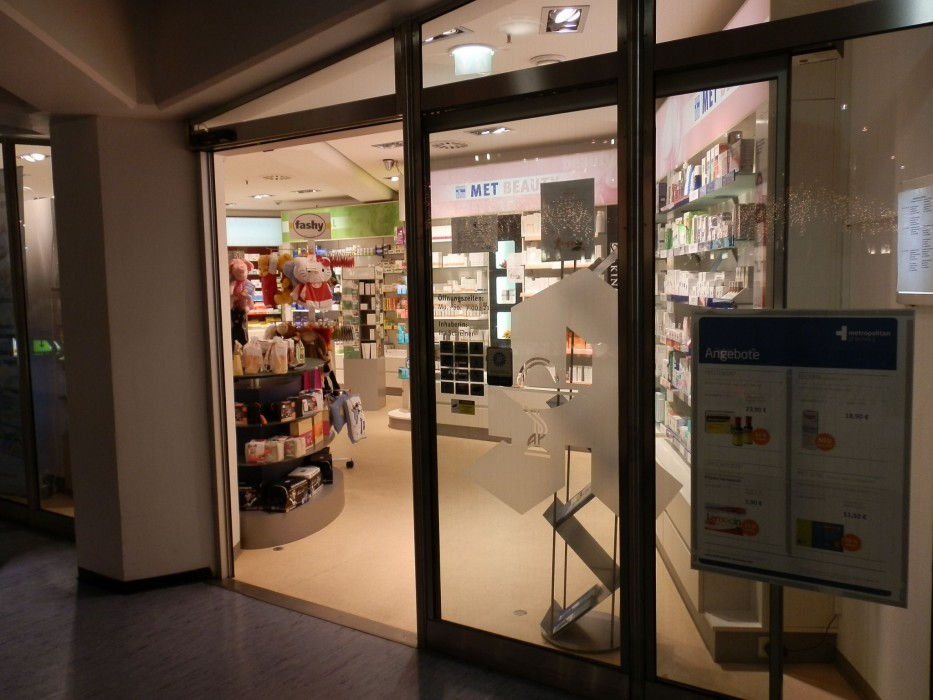 München Airport Pharmacy, T2, Level 5
